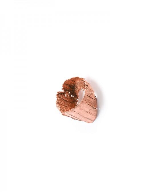 Antípoda 9. 2014. Brooch. Copper, gold. Electroforming. 80x65x55mm. 36,8gr. Photo by Manu Ocaña